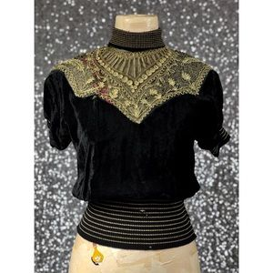 🖤 Vintage 1940s Syrian velvet-like top
